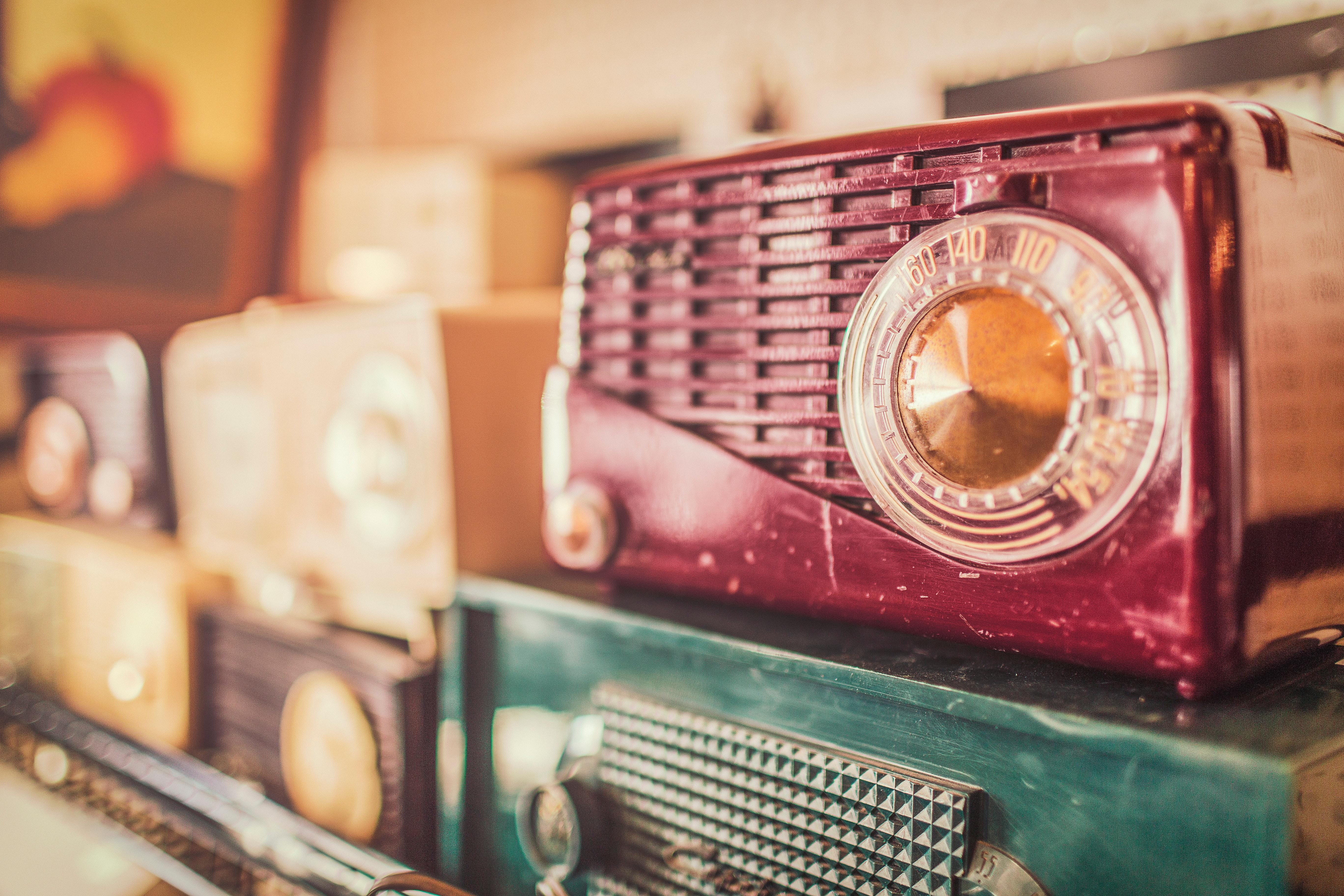 La radio, inossidabile mass media tra passato e futuro