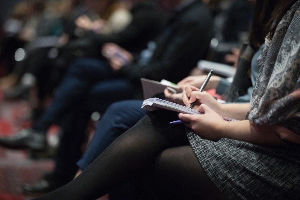 conferenza evento scrivere